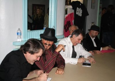 signing_at_Winchester